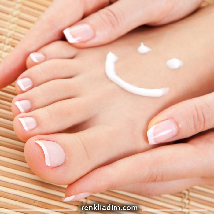 Biliyor muydunuz?   Ayaklarınızı karbonatla yıkamak ayaaklarınızı rahatlatır. RenkliAdim.com #renkliadım #ayaksağlığı #ayak #karbonat