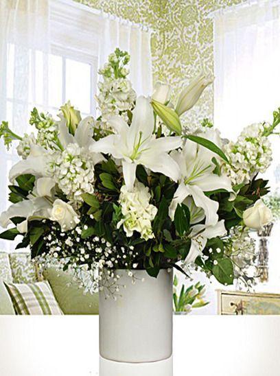 Yıl dönümlerinin, doğum günlerinin bunun yanı sıra yeni bebek doğumlarında, geçmiş olsun dileklerinde yıllardır vazgeçilmez olan çiçekler sadece bir tık uzağınızda.  Ortama kattığı güzellikler ile tercih edilen çiçekler, yüzlerce farklı tür ve modellerle Trabzon Çiçekçileri arasında yıllardır hizmet veren Trabzon Çiçekçisi sitemizde.  En güzel çiçeklere ulaşmak için Trabzon Çiçekçilik.