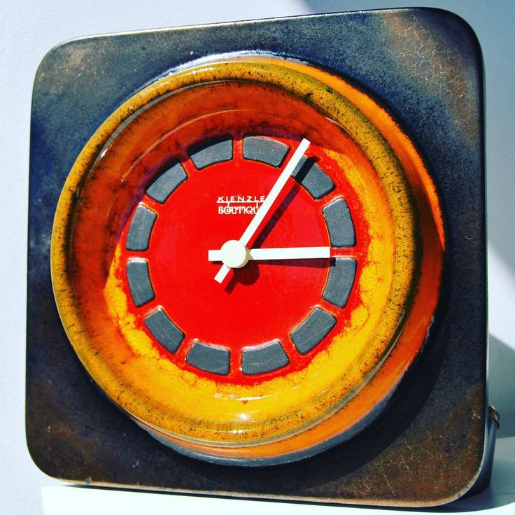 West German pottery clock Kienzle Boutique Keramik #wall #kitchen #kitchenclock #wallclock #clock #pottery #east #german #eastgerman #kienzle #boutique #red #orange #gold #darkgold #time #vintage #modern #opart #midcentury #psychedelic #psycho #fan #spaceage #space #retrostyle