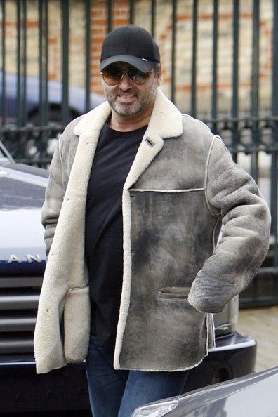 George Michael Photos Photos - George Michael Out and About - Zimbio