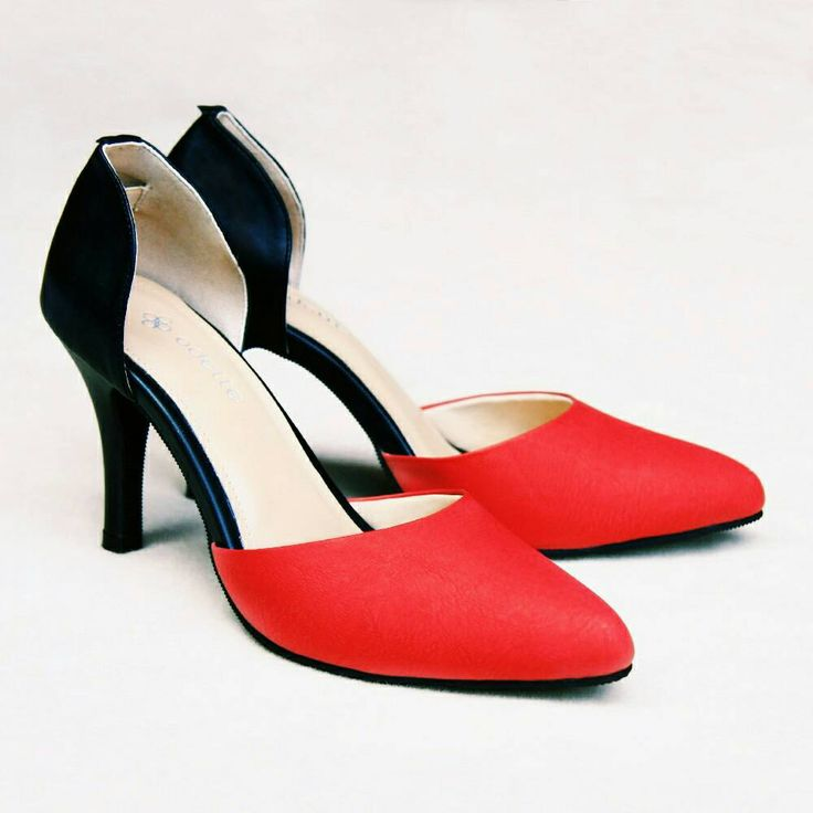 Find the best deal for AYLA red and save up to 40% for our new collection only at www.odetteshoes.com/www.blibli.com. Grab it fast and happy shopping! #odetteshoes