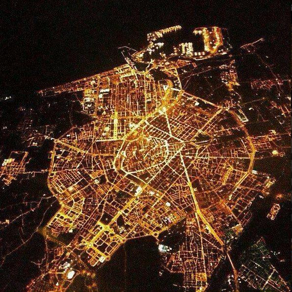 #Valencia de #noche #CCElSaler