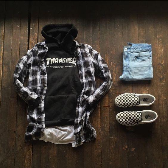 Tênis Vans, Sneaker Vans, Vans. Macho Moda - Blog de Moda Masculina: Combos Masculinos com Tênis da VANS, pra inspirar! Roupa de Homem, Combos masculinos, Moda Masculina, Moletom Thrasher, Camisa Xadrez Preta e Branca, Calça jeans, Vans Slip On