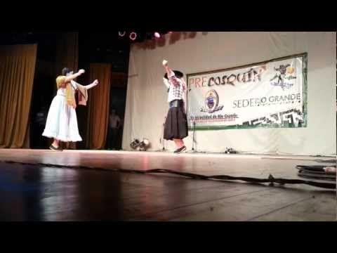 Noelia y Andrés bailan 'Marote Chaqueño' - YouTube