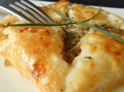 Des carrés feuilletés aux saveurs du sud... - Recette Entrée : Feuilletés chorizo & mozzarella par Lacuillereauxmilledelices