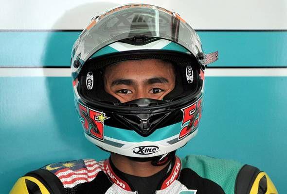 Hafizh Syahrin tempat ketiga di GP San Marino   KUALA LUMPUR: Pelumba Moto2 dari Malaysia Hafizh Syahrin Abdullah mempamerkan tunggangan cemerlang pada Ahad dengan menamatkan perlumbaan di tempat ketiga dalam kategori Moto2 dalam Grand Prix San Marino di litar Misano Itali.  Pelumba Petronas Raceline Malaysia berusia 23 tahun itu mencatat masa 51 minit:47.584 saat dalam perlumbaan 26 pusingan dengan keadaan litar yang basah .  Dua pelumba Switzerland Dominique Aegerter daripada Kiefer Racing…