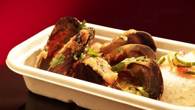 Spicy Coconut Mussels with Lemongrass Rice