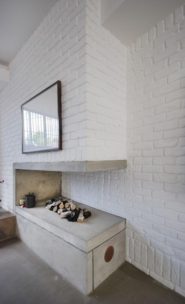 Cheminée en briques blanches