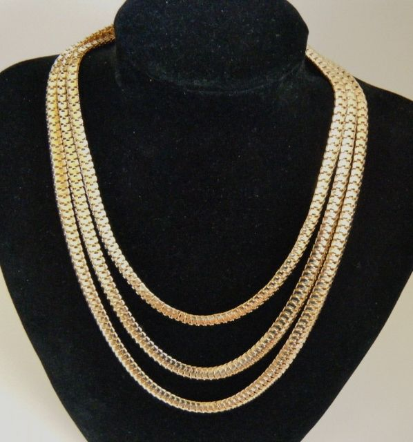 Fashion Womens Gold toned 3-Layers Simple Chain Necklace Jewelry #fashionjewelry #jewlery #fashionnecklace #3chainnecklace #goldtone #goldtonenecklace