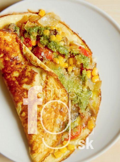 Omeleta plnená zeleninou a bazalkovým pestom