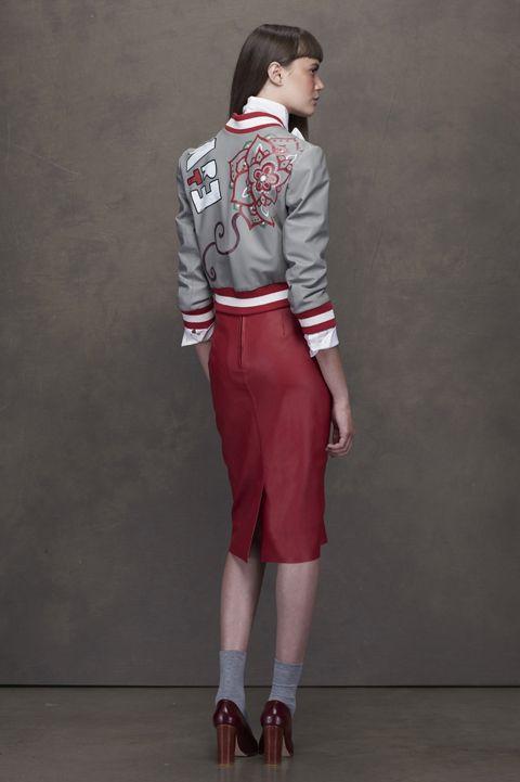 Saia lápis de couro vermelho e jaqueta personalizada - Patricia Motta Inverno 2017