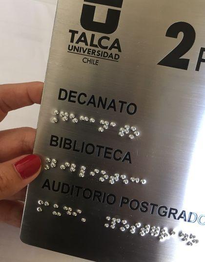 Señalética Braille en Acero Inoxidable