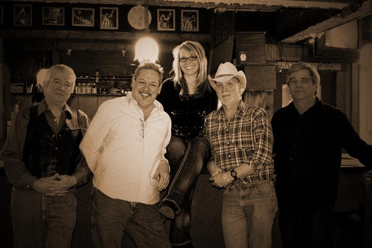 Mandy Z. & Rural Route One bring rockin' country #music to #Algonquin on July 11.  Music starts at 7:30 p.m. at Riverfront Park in Algonquin.