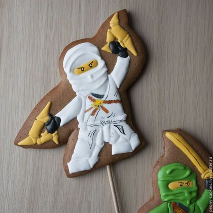 Кулинарные сувениры ручной работы. Пряники топперы на торт Лего Ниндзяго Lego Ninjago с оружием. Пряничная студия Пион (peony-cookies). Ярмарка Мастеров.