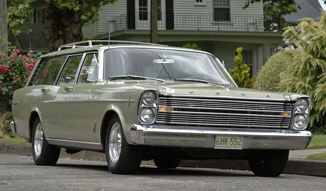 1966 Ford Galaxie Country Sedan