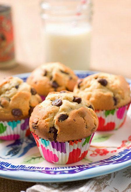 Muffins clásicos con chips de chocolate / de http://sugarandspice-celeste.blogspot.com.es/
