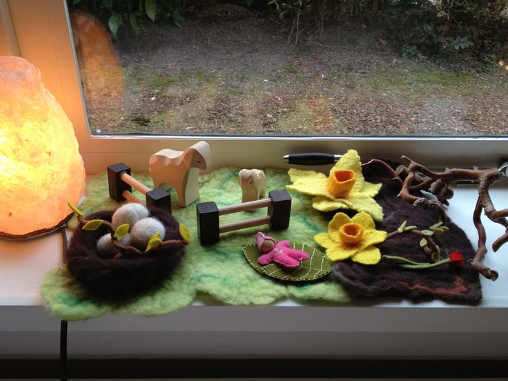 Spring nature table, felt and ostheimer