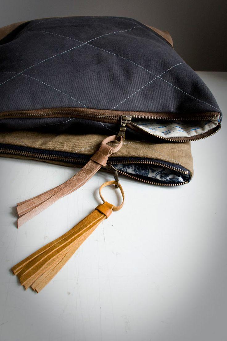 Kopertówki w formacie A4+. Pikowana tkanina+skórzane dodatki. Wkrótce do kupienia... #clutch #quiltedBag #Quilted #clutch #grey #mustard #handmade