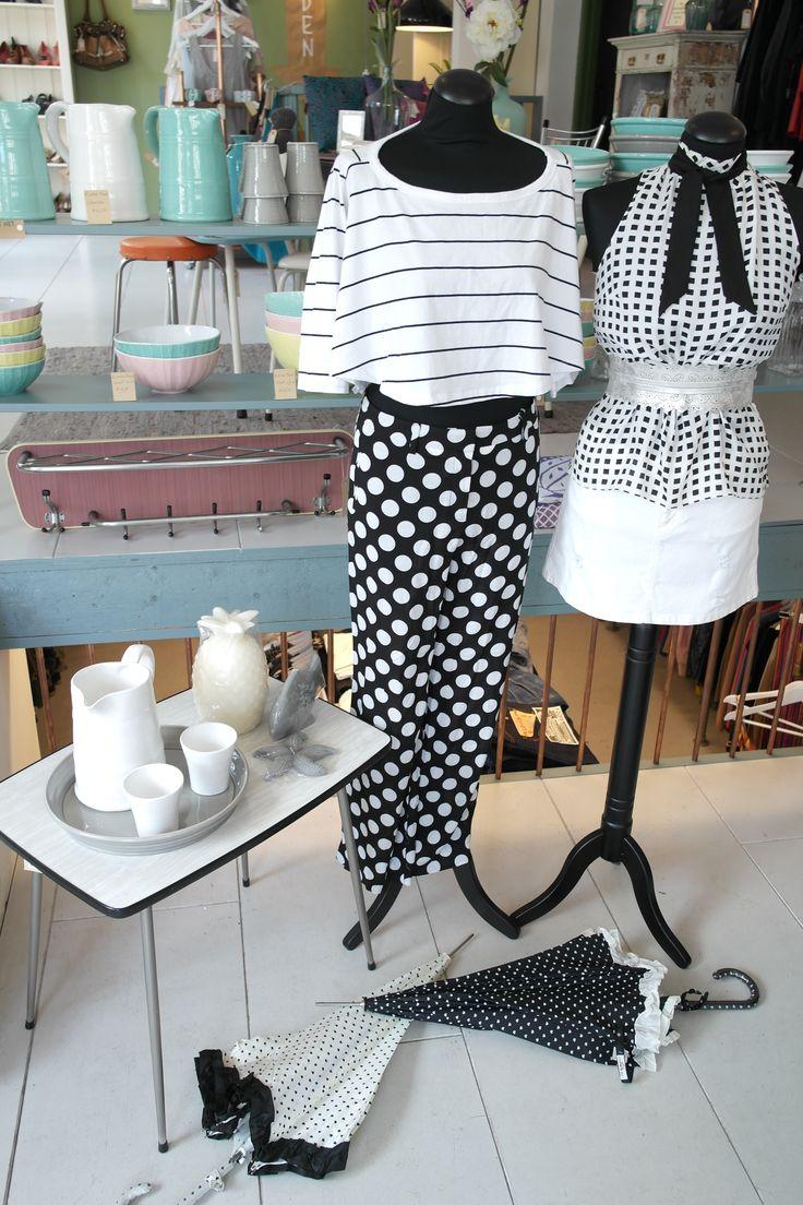 Sexy zomers!! strepen, stippen, spikes, zwart - wit EN killer designer heels!! You name it allemaal bij Venten ! #Christianlouboutain #Yveslaurent #lautrechose #costumenational #venten #ceintuurbaan #amsterdam