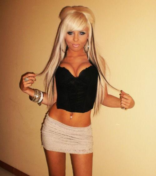 Big boob bleach blonde