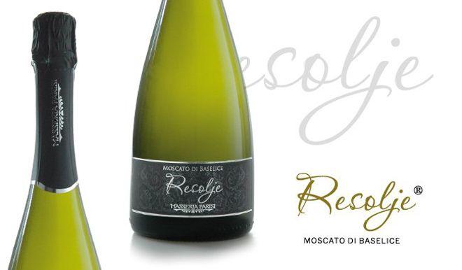 @Masseria Parisi ci ha affidato la creazione del #packaging di Resolje #spumante di Moscato di Baselice, oltre all'adv di Zingarella e Pozzillo