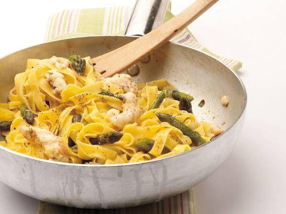 Tagliatelle asparagi e scampi - Piattoforte
