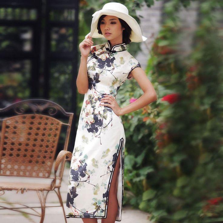 The tree's portrait - Read full story: http://www.elegente.com/vintage-style-silk-long-cheongsam-dress-floral.html