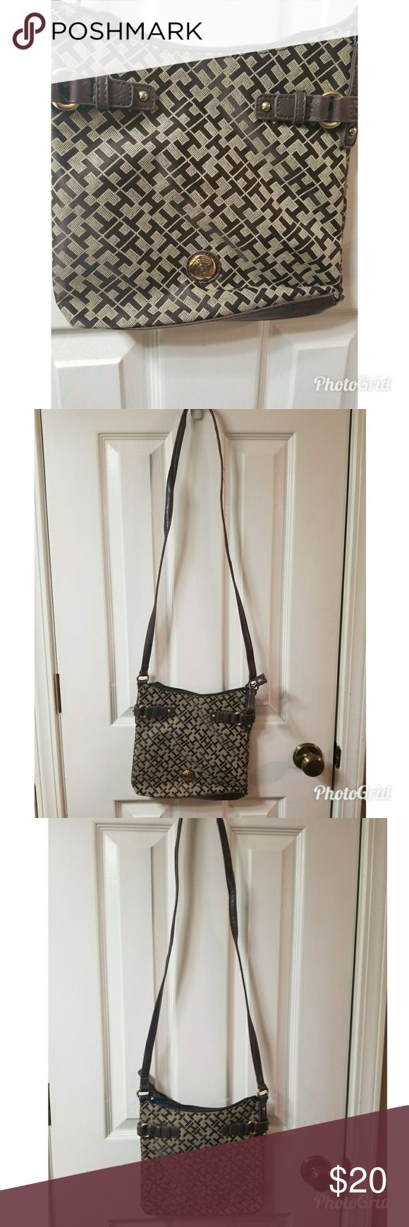 Over the Shoulder Purse Tommy Hilfiger Over the Shoulder Purse Used a handful of times but in great condition!  No wears or tears The inside of the purse is a little small but great for a small night out with friends or a short trip running errands Tommy Hilfiger Bags Shoulder Bags