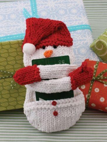 Free Christmas Knitting Patterns: SNOWMAN GIFT CARD COZY KNITTING PATTERN