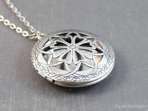 Diffusor Halskette  ätherisches Öl Medaillon  von clayware auf Etsy