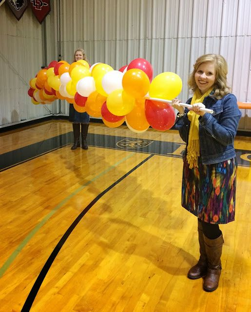 Less than perfect life of bliss easy diy balloon arch for How to build a balloon arch