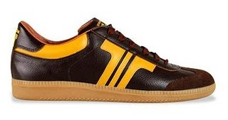 "rad Hungarian sneaker brand ""tisza"""