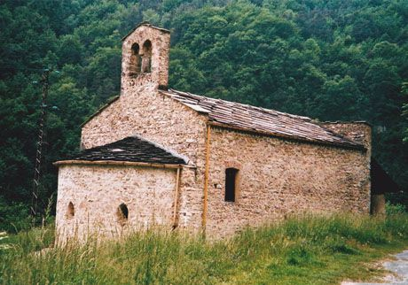 A church in another small hamlet of Valle Maira...Chiesa di San Salvatore di Macra (Valle Maira)