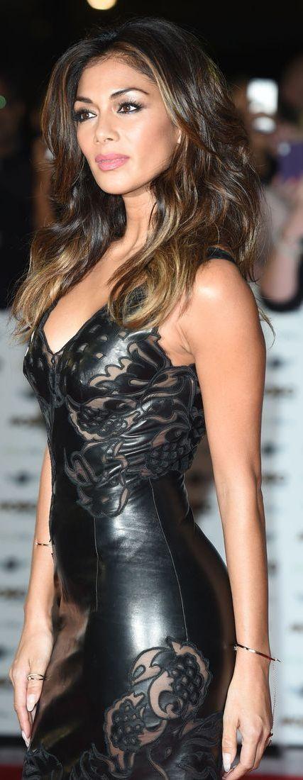 Nicole Scherzinger Now Thats An Out On The Town Dress Damn