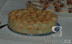Nepečený jablečný desert s piškoty
