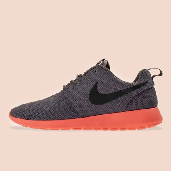 Roshe Run mangossss great colorwayy. I can't really tell the difference  between the