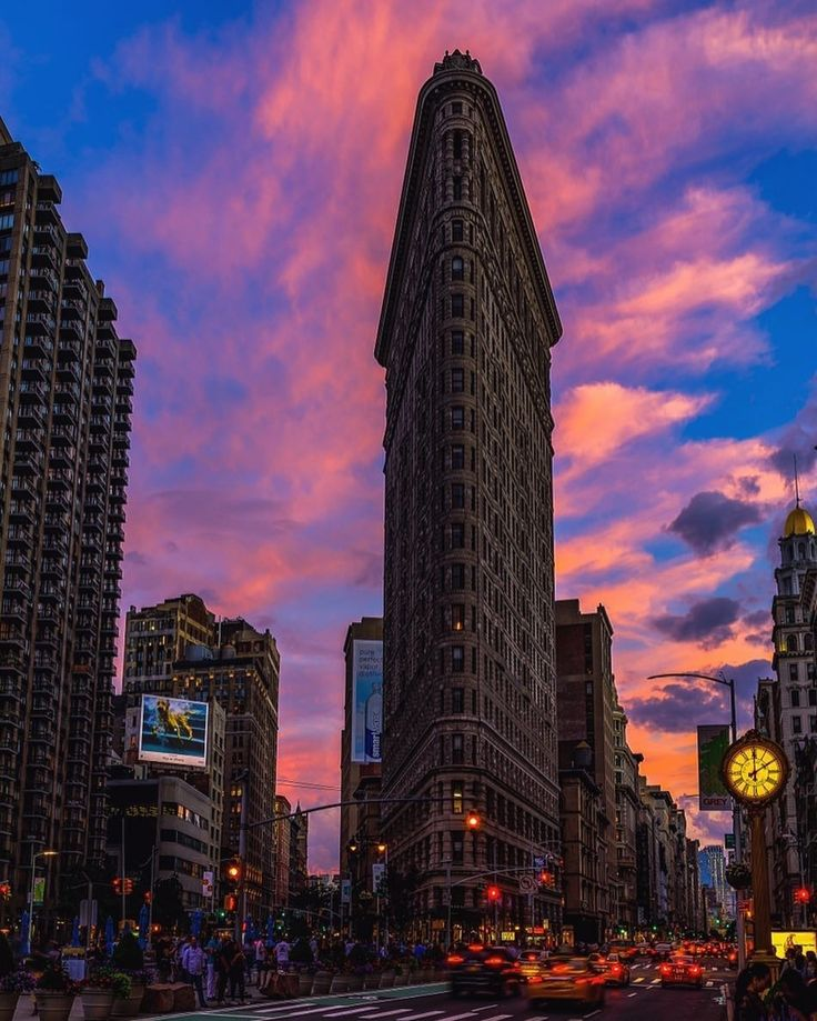 The Flatiron Building by Louis Grimace by newyorkcityfeelings.com - The Best Photos and Videos of New York City including the Statue of Liberty Brooklyn Bridge Central Park Empire State Building Chrysler Building and other popular New York places and attractions.