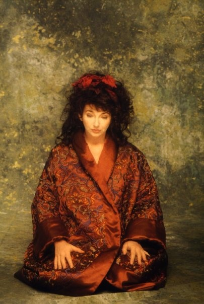Kate Bush. Photo by Guido Harari, 1989.