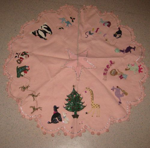 Vintage Pink Christmas Tree Skirt. WAY too late to have this. Le Sigh.