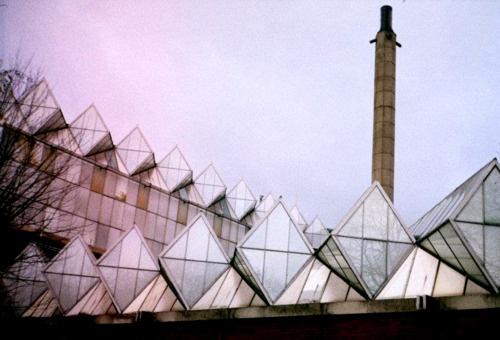 University of Leicester, Engineering Building, James Stirling/James Gowan, 1959-1963    (Source: veronicadelica)