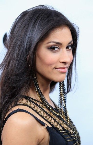 janina gavankar - Mysteries of Laura