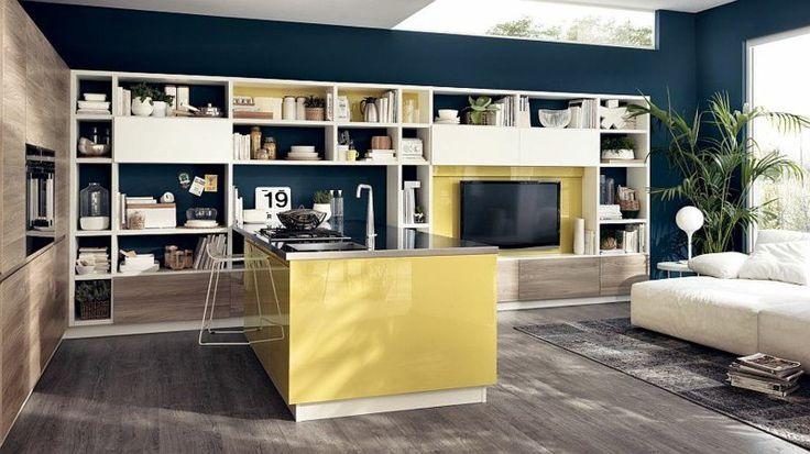 cuisine ouverte sur salon en bois, gris et jaune de design italien