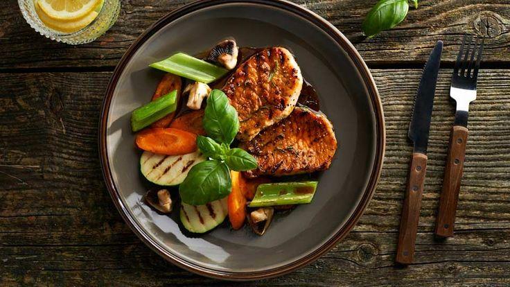 Grilovaná vepřová pečeně s medem a asijskou zeleninou