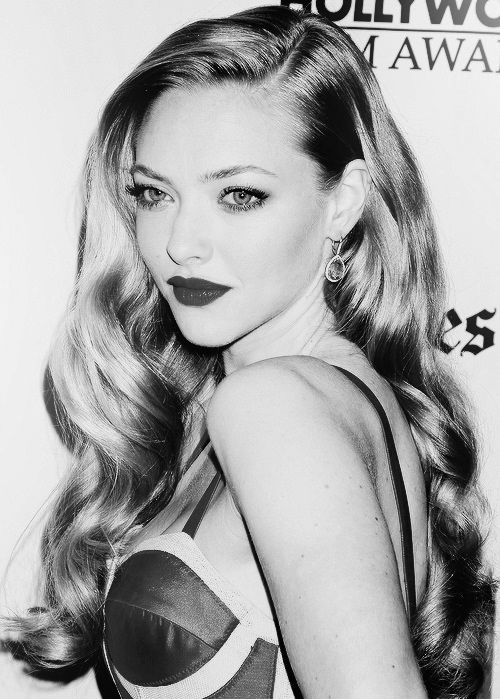 Amanda Seyfried love the long locks! Want to do this to my naturally straight hair. Check Out all health trends on bestsuggestor.com..... #freehealth #healthsupplement #healthtrends