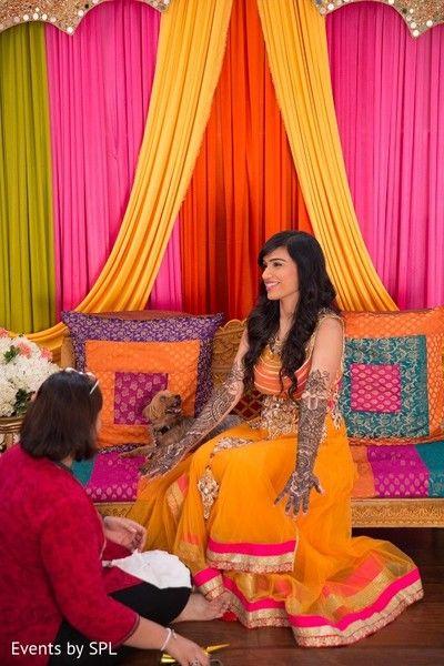 Mehndi Party http://www.maharaniweddings.com/gallery/photo/53495