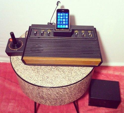 Atari 2600 iPhone dock