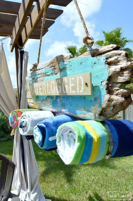 Driftwood beach pool towel holder