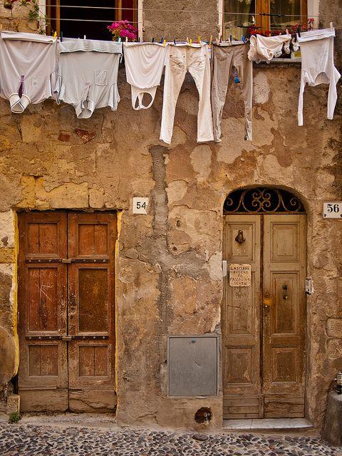 Abstinence of a passer-by, Sassari - Sardegna