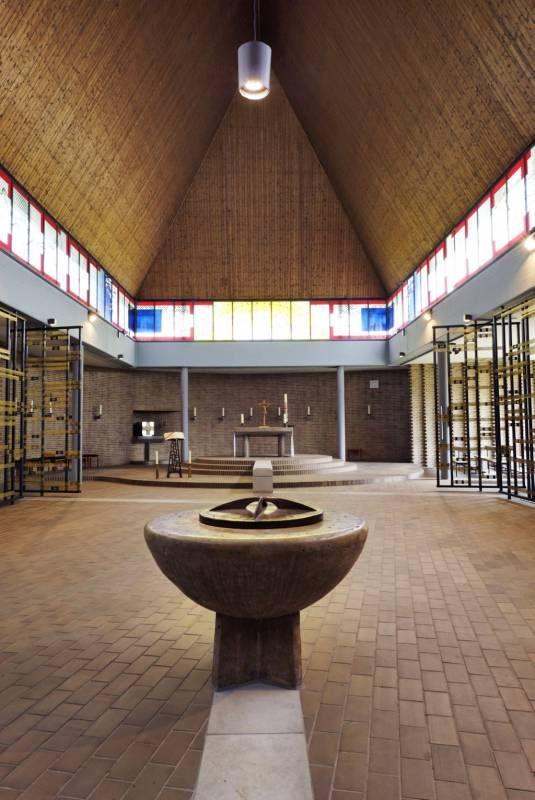 Auferstehungskirche Heilig Kreuz Mülheim in Mülheim an der Ruhr, Architektur - baukunst-nrw