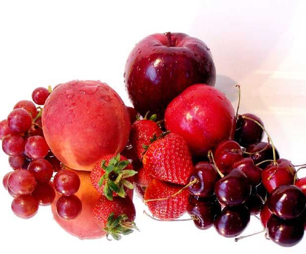 Vitamin Deposu, Kırmızı Meyveler!Vişne, böğürtlen, kırmızı erik, karpuz, incir, mürdüm eriği ve üzümün bolca bulunduğu bu dönemde bir yandan leziz ve taze yaz meyvelerini yiyip bir yandan da vitamin ve mineral depolarınızı doldurmaya ne dersiniz? İşte içerdikleri:    Yazının Devamı: Vitamin Deposu, Kırmızı Meyveler! | Bitkiblog.com   Follow us: @bitkiblog on Twitter | Bitkiblog on Facebook